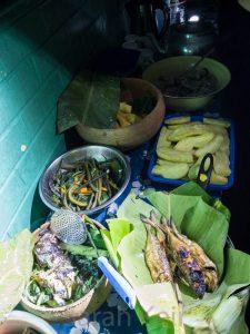 Salamaua - dinner is served